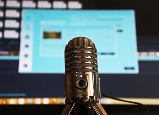 El auge de los podcast dedicados al arte o el desafío de convertir lo visual en sonoro